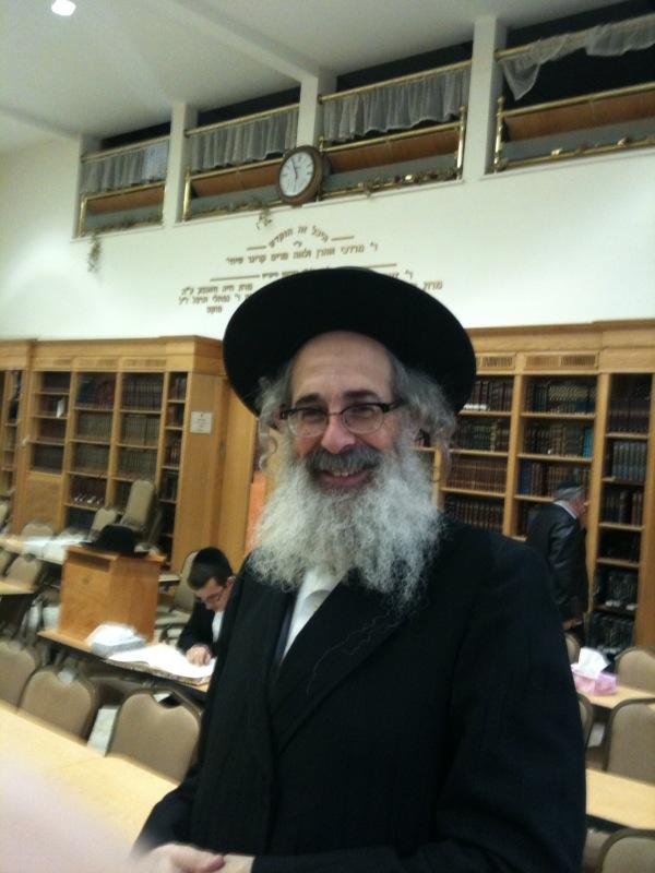 Q: Breslov VS Chabad customs etc…